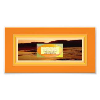 ビーチの日没の写真の信用の引用文及び芸術 フォトプリント