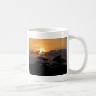 ビーチの日没 コーヒーマグカップ