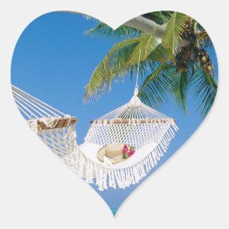 ビーチの楽園の休暇のハンモック ハートシール