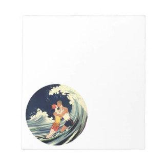 ビーチの波のヴィンテージのアールデコの恋人のキス ノートパッド