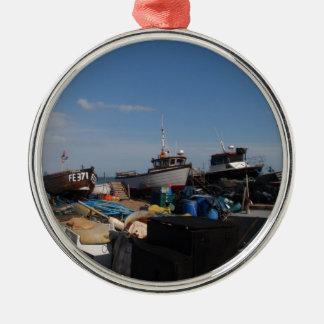 ビーチの漁船 メタルオーナメント