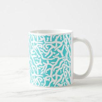 ビーチの珊瑚礁パターン航海ので白い青 コーヒーマグカップ