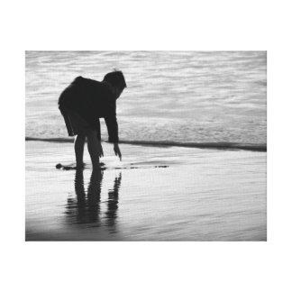 ビーチの男の子 キャンバスプリント