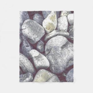 ビーチの石 フリースブランケット