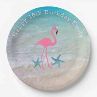 ビーチの砂のフラミンゴの誕生会のプレート ペーパープレート