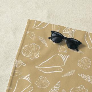 ビーチの砂の貝殻 ビーチタオル