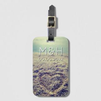 ビーチの砂旅行荷物のハートはカップルのために付きます ネームタグ