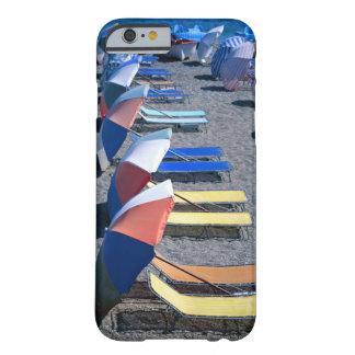 ビーチの空いている椅子 BARELY THERE iPhone 6 ケース