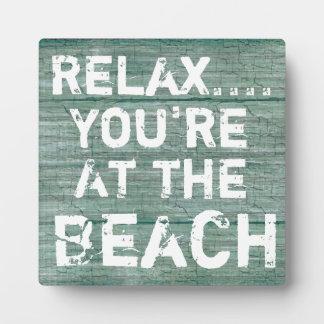 ビーチの素朴な印のプラクで…あなたはリラックスして下さい フォトプラーク