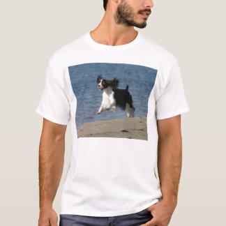 ビーチの英国スプリンガー Tシャツ