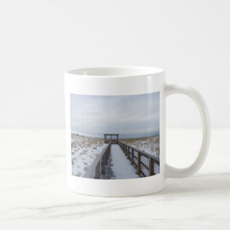 ビーチの通路 コーヒーマグカップ