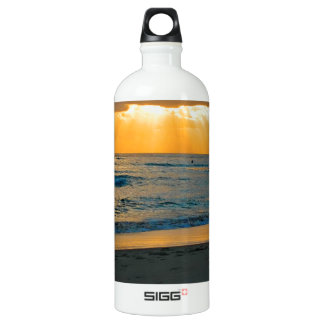 ビーチの金日の出 ウォーターボトル