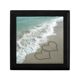 ビーチの2つの砂のハート、ロマンチックな海 ギフトボックス