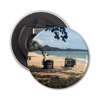 ビーチのVendings… Lamaiのビーチ、水酸化カリウム溶液のSamuiの島 栓抜き