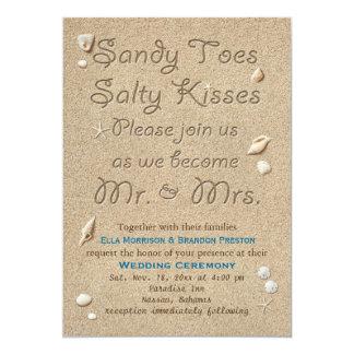 ビーチサンディは塩辛いキスの結婚式招待状をつま先で触ます 12.7 X 17.8 インビテーションカード