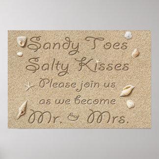 ビーチサンディは塩辛いキス氏を及び夫人つま先で触ますPoster ポスター