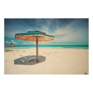 ビーチチェアおよび傘|の銀製の砂のビーチ ウッドウォールアート