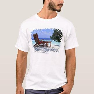 ビーチチェア6 Tシャツ