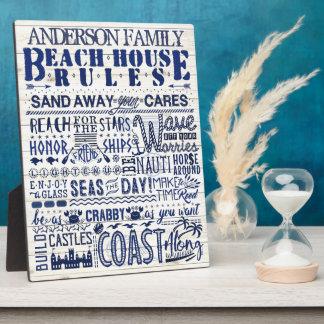 ビーチハウスは沿岸青く名前入りな家族を支配します フォトプラーク