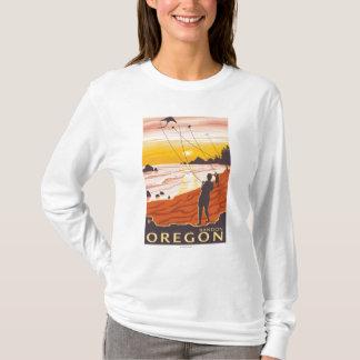 ビーチ及び凧- Bandon、オレゴン Tシャツ