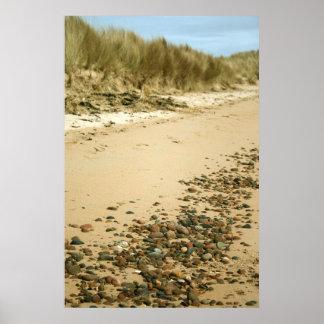 ビーチ及び小石のプリント ポスター