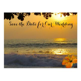 ビーチ結婚式の海の日没 ポストカード