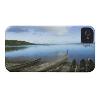 ビーチ、アンタナナリボ、マダガスカルのカヌー Case-Mate iPhone 4 ケース