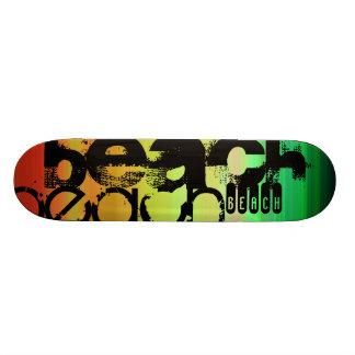 ビーチ; 鮮やかな緑、オレンジ、及び黄色 オリジナルスケートボード