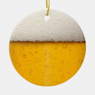 ビールはクローズアップ泡立ちます セラミックオーナメント