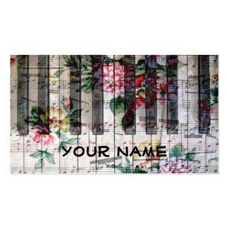 ピアニストのキーボードのピアノヴィンテージの少女っぽい音楽