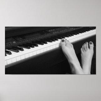 ピアノ及びポスター足の ポスター