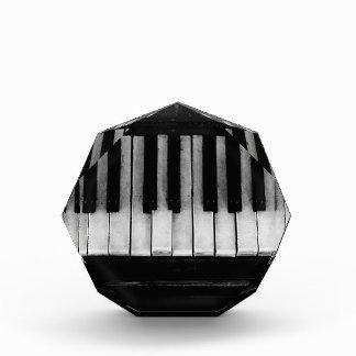 ピアノ古いグランドピアノのキーボードの楽器音楽 表彰盾