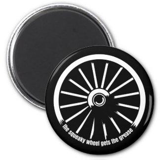 ピカピカの車輪はグリースを得ます マグネット