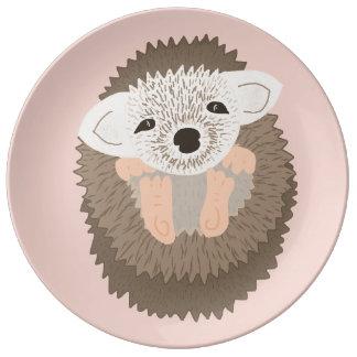 ピグミーのハリネズミはとてもかわいいです! 磁器プレート