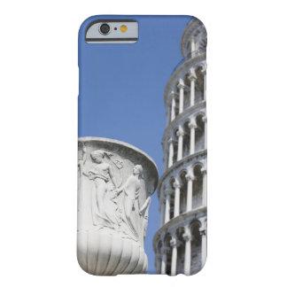 ピサ、イタリアの斜塔の隣の大きい壷 BARELY THERE iPhone 6 ケース