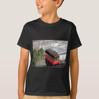 ピッツバーグの傾斜の飛行機 Tシャツ