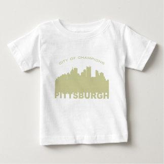 ピッツバーグ: チャンピオンの金ゴールドの都市 ベビーTシャツ