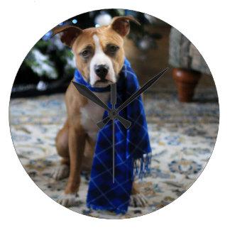 ピット・ブルの救助犬からの休日の応援 ラージ壁時計