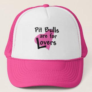 ピット・ブルは恋人のトラック運転手の帽子のためです キャップ