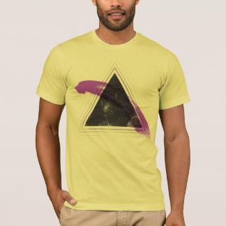ピラミッドは力です Tシャツ