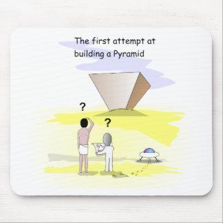 ピラミッドを造ること マウスパッド