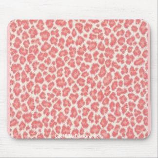 ピンクおよびクリーム色のヒョウのプリントのギフト マウスパッド