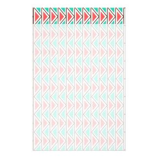 ピンクおよびターコイズの三角形のアステカな種族パターン 便箋
