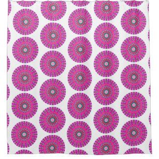 ピンクおよびターコイズのBohoの円形の曼荼羅(Lgのプリント) シャワーカーテン