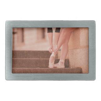 ピンクおよびバレリーナの足-ポイント靴 長方形ベルトバックル