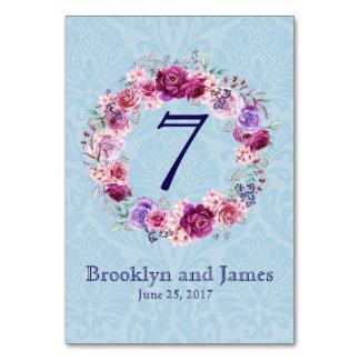 ピンクおよびバーガンディの花花束のテーブル カード
