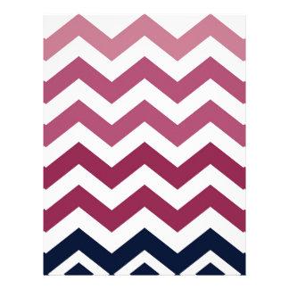 ピンクおよびバーガンディシェブロンは縞で飾ります レターヘッド