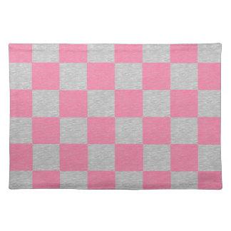 ピンクおよび灰色のチェック模様のランチョンマット ランチョンマット