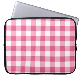 ピンクおよび白いギンガムの点検パターン ラップトップスリーブ