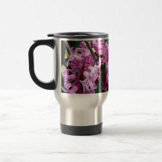 ピンクおよび白いHyacinthの花 トラベルマグ